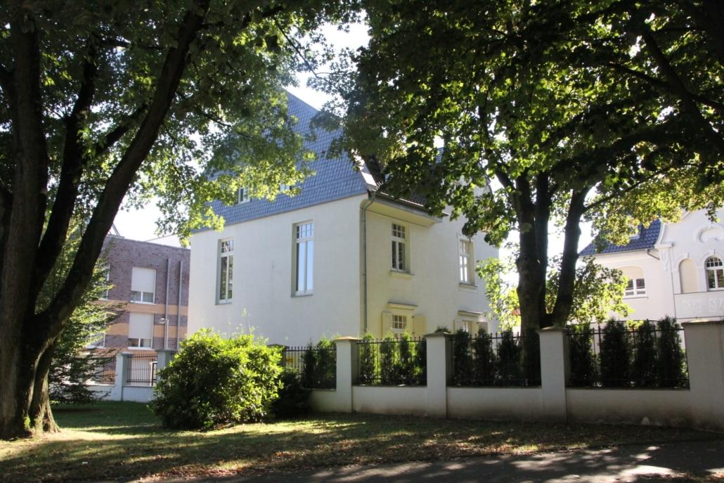 Zahnarzt Gelsenkirchen - Dental Praxisklinik - Frontansicht
